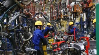 Pabrik Mobil Diminta Partisipasi Produksi Alkes
