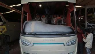 Seperti Ini Karoseri Peniru Bodi Bus Laksana Di Bangladesh