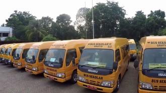 Bus Sekolah Berwarna Kuning Karena Hal Ini