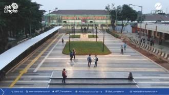 Ada Kanopi dan Penunjuk Arah Di Transit Hub Transjakarta, Makin Nyaman dan Cantik