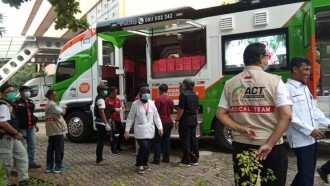 Humanity Food Truck ACT Bantu Tim Medis Corona