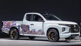 Pikap Mitsubishi Triton Jadi Sarana Lukis Seniman Thailand