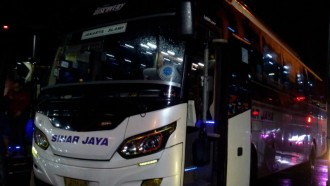 PO Sinar Jaya Larang Penumpang Mengisi Power Bank
