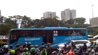Insiden Di Jalur Transjakarta, Akibat Tak Menyadari Risiko Dekat Big Bus