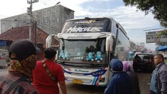 Sekolah Online Alasan Penumpang Bus Pulang Kampung Lebih Awal