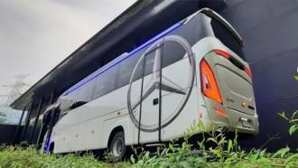 Ingin Pelesir Nyaman, Bus Medium Dari Sinar Jaya Ini Bisa Diandalkan