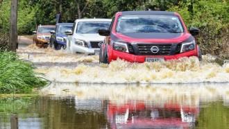 Terpaksa Melintas Jalan Banjir, Harus Perhatikan Hal Ini