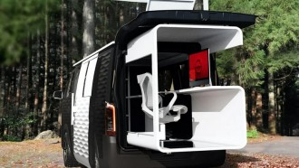 Begini Uniknya Van Nissan NV350 Versi Kantor Berjalan