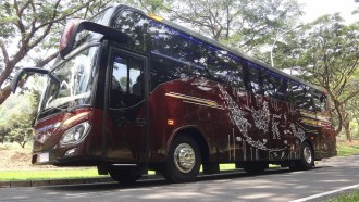 Reborn! Bus New Patriot Buatan Karoseri Morodadi Prima Malang, Bergaya Simpel dan Elegan