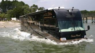 Menikmati Motorhome Sekaligus Perahu, Mengapa Tidak?