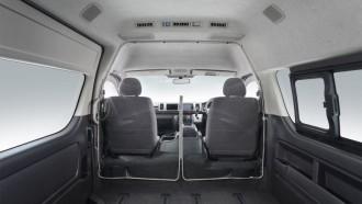 Toyota HiAce Kini Punya Sekat Pencegah Virus Corona