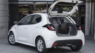 Toyota Yaris ECOVan Kendaraan Komersial Kecil Dengan Ruang Lega