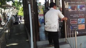 Trans Jogja Cegah Corona Dengan Bersihkan Bus dan Halte
