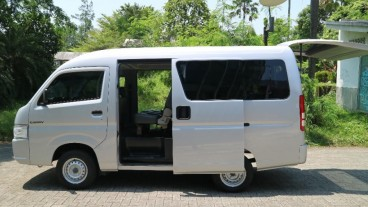 Suzuki New Carry Minibus dan Blind Van Tetap Garapan Karoseri