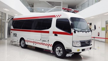 Mengungkap Detail Hino Flexicab Ambulans Dan PCR Mobile Lab