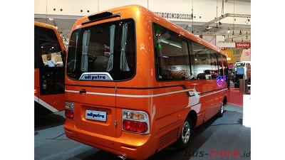 Jumbo Jetbus Mc Terobosan Adi Putro Yang Membuat Microbus