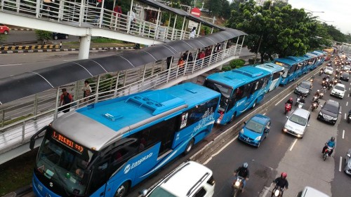 Mulai Senin 21 September, Transjakarta Batasi Waktu Operasi