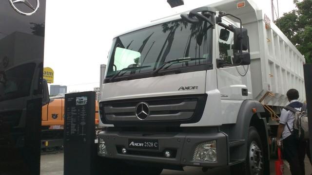 Mercedes Benz Axor 2528 C 6x2 M T Truk Heavy Duty Tangguh Di Segala Medan Daya Tanjak Prima Bus And Truck Indonesia