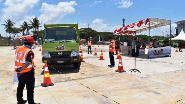 Hino Gelar Safety Driving Competition di Kota Makassar