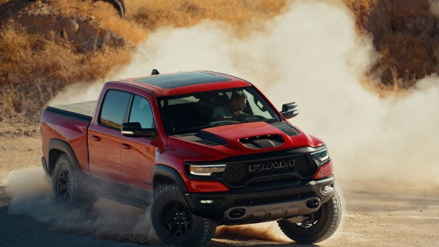 Buka 2021, Pikap New Ram 1500 TRX Mulai Diproduksi