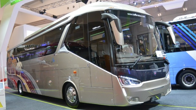 Nostalgia Bus Di Ajang GIIAS 2016 (I), Ada Armada Transjakarta Tronton Dan Bus Berstandar Eropa