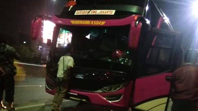 Korban Calo: Bus Nyaris Terbakar Dan Diturunkan Di Jalan