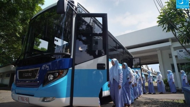 Uniknya Bus Karyawan Pabrik Sukun, Joknya Mirip Angkot