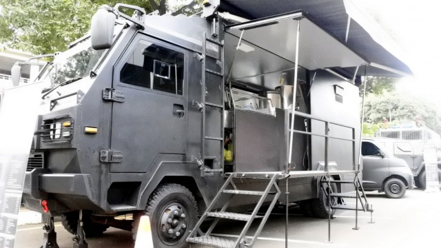 Melongok Truk Randurlap, Dapur Darurat Ala Militer