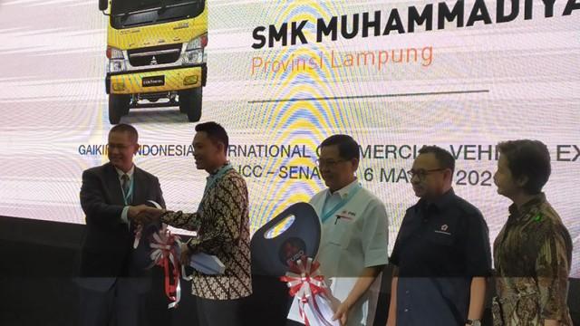 KTB Donasikan Kendaraan Kepada PMI Dan SMK