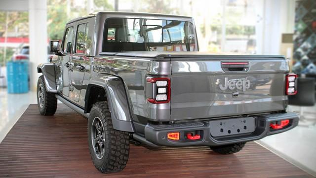 Jeep Gladiator Versi Pasar Indonesia Telah Hadir Mulai Rp 1,9 Miliar