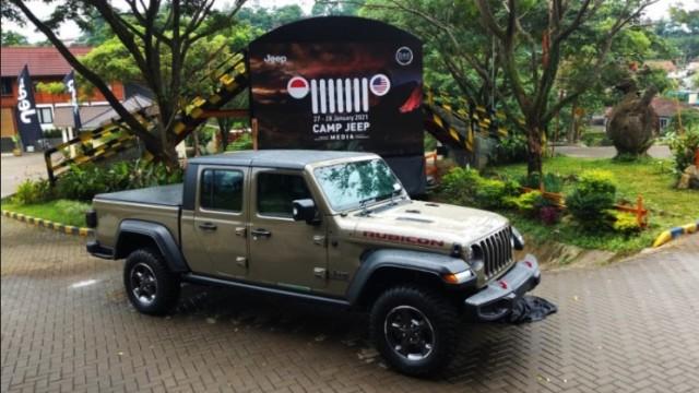 Tembus Rp 2 Miliar, Jeep Gladiator Jadi Double Cabin Termahal Di Indonesia
