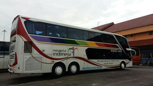 Mengenal Fitur Keselamatan Tambahan Di Bus Mercedes-Benz OC 500 RF 2542