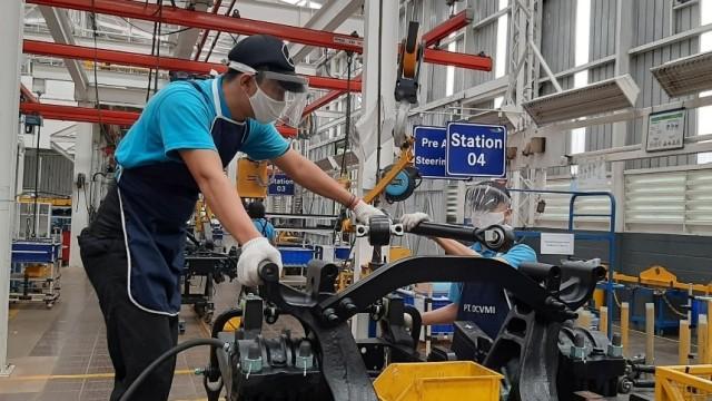 Pabrik Bus dan Truk Mercedes-Benz di Wanaherang Kembali Aktif