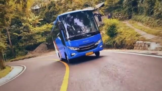 Medium Bus Karoseri Tentrem Asal Malang, Siap Hadir di Kenya