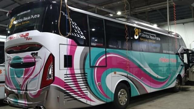 Bus Baru Jadi Kado Spesial Ultah Ke-8 PO Rimba Raya