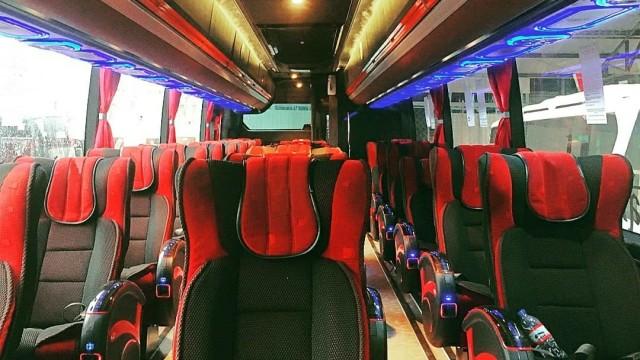 M Trans Mulai Operasikan Bus 'Social Distancing' Garapan Karoseri Tentrem
