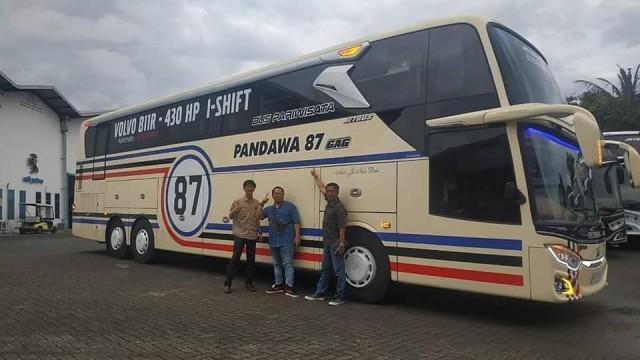 Bus Pariwisata Mewah Pandawa 87 Bersasis Volvo B11R Akhirnya Meluncur dari Adi Putro