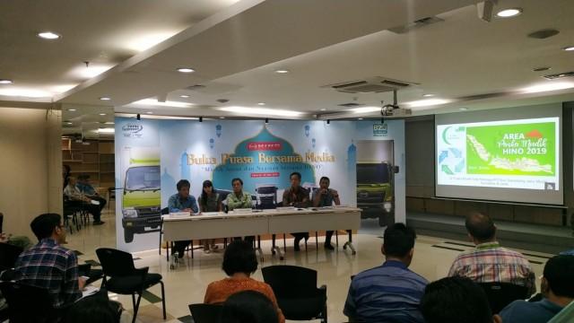 Hino Siapkan Bengkel Siaga untuk Bus Mudik di Jalur Mudik Sumatra dan Jawa