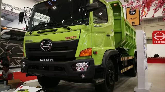 Truk dan Bus Hino Siap Gunakan Biodiesel B20