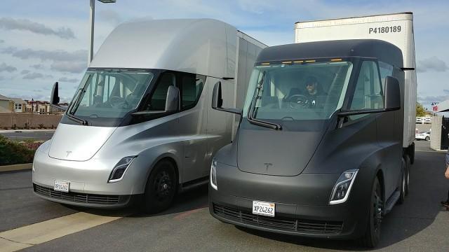 Elon Musk Siapkan Truk Trailer EV Dengan Jarak Tempuh 600 mil