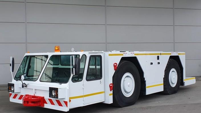 Pushback truck, Si Cebol Pendorong Pesawat Udara