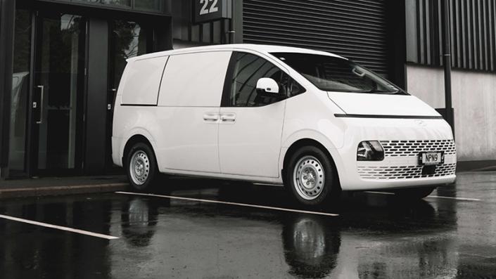 Hyundai Staria Punya Varian Blind Van